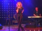 Cecilia De Singlau, De Singló, presentó su primer album en el Samsung Studio