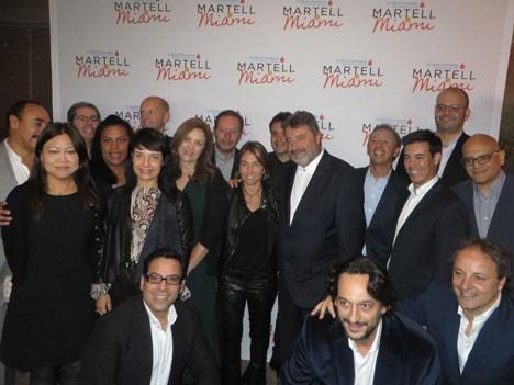Jesús López con todo el equipo de Universal