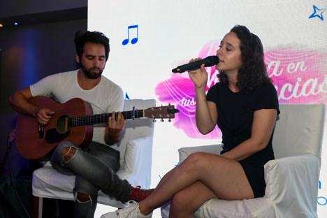 Mery Granados cantó para los invitados